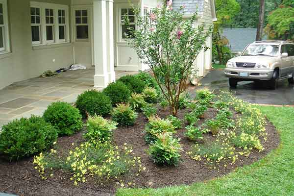 Mulching and Garden Design Image 2