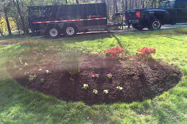 Mulching and Garden Design Image 4